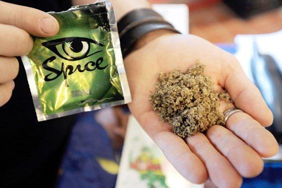 Le cannabinoïde synthétique JWH-018, un ingrédient du «Spice» vendu par des boutiques en ligne sur internet